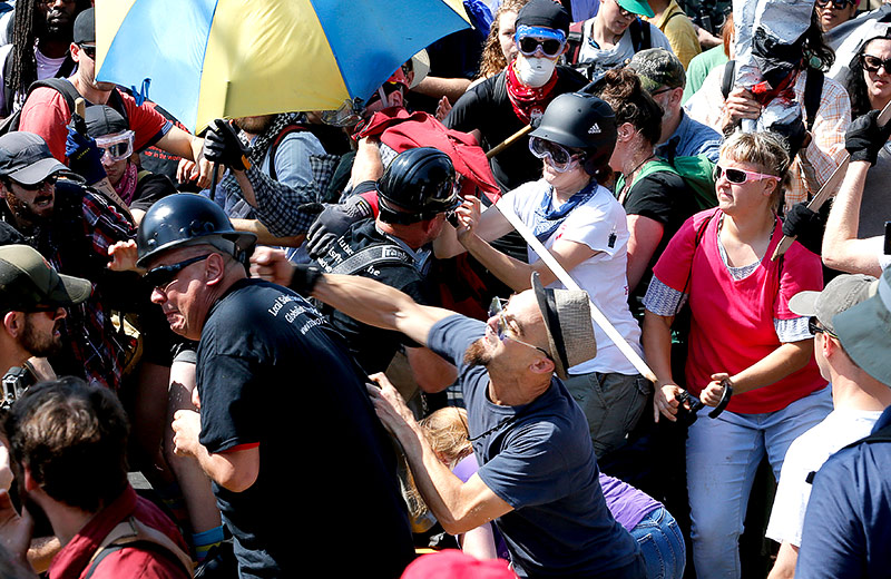 Schlägerei während einer Kundgebung