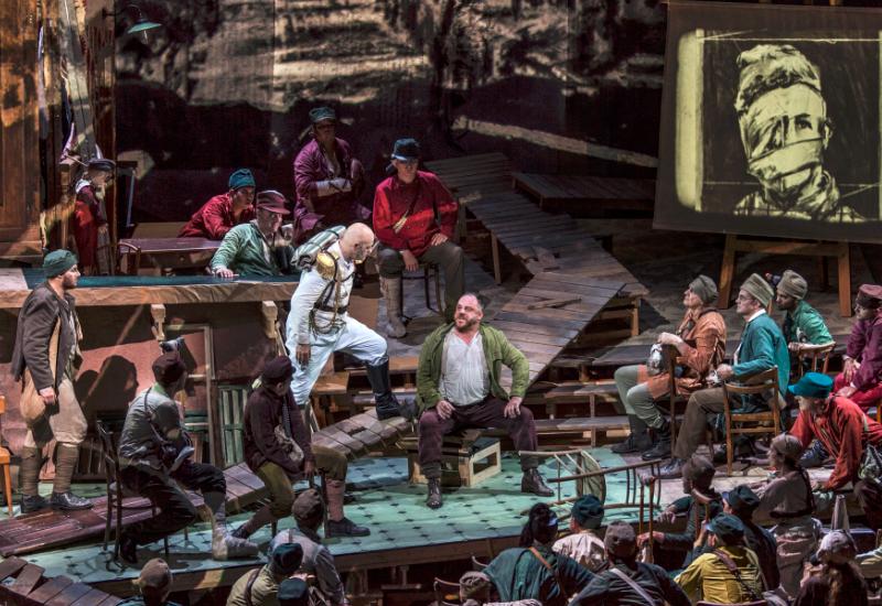 Matthias Goerne als Wozzeck in Kentdridges-Inszenierung