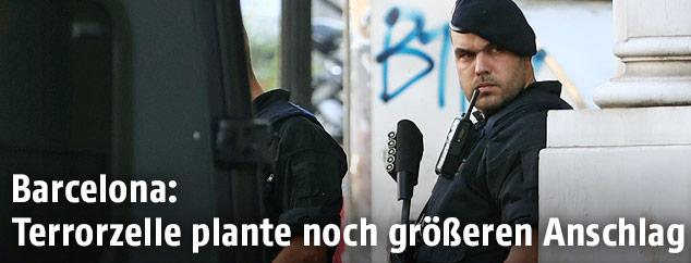 Polizist in Barcelona
