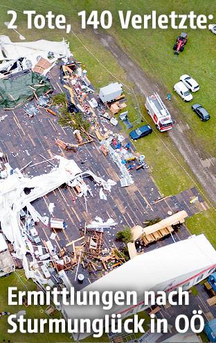 Luftaufnahme vom zerstörten Festzelt