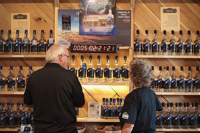 Countdown-Uhr in einer Destillerie