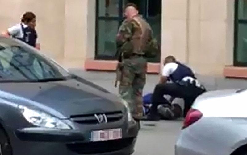 Messer vor Buckingham-Palast: Anti-Terror-Einheit ermittelt