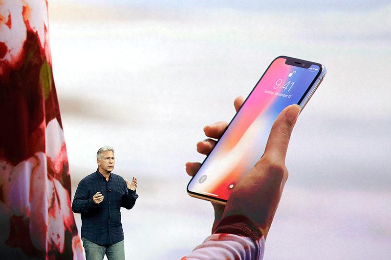 Phil Schiller (Apple) präsentiert das iPhone X