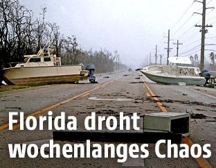 Boote auf einer Straße in Florida
