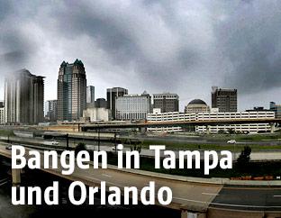 Dunkle Wolken über Orlando
