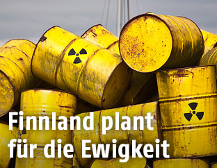 Gelbe Kanister mit Atommüll