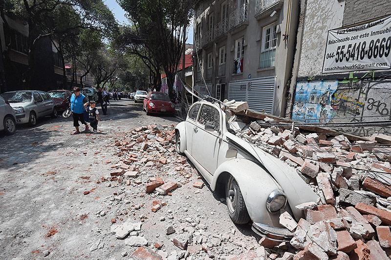 Trümmer auf einem Auto
