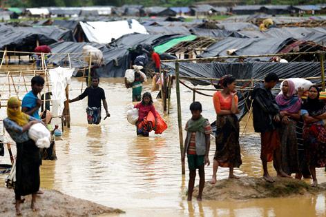 Überschwemmtes Flüchtlingslager