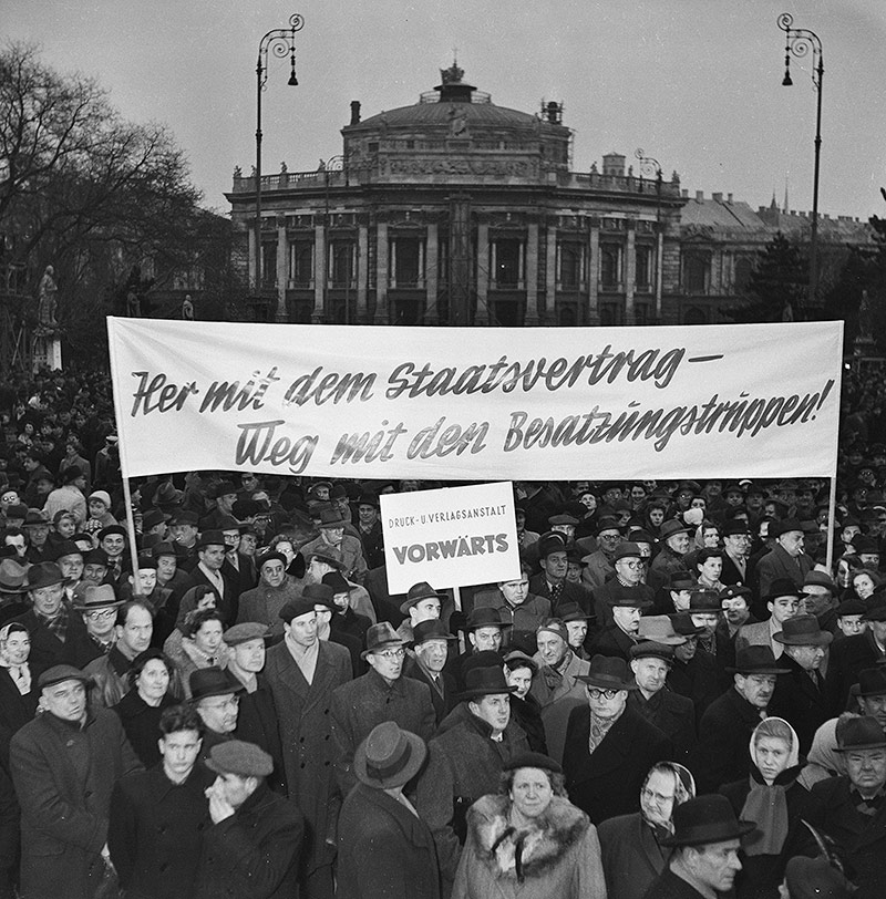 Demonstration für den Staatsvertrag, 1955