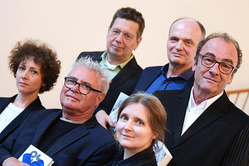 Die Autoren Sasha Marianna Salzmann, Gerhard Falkner, Franzobel, Marion Poschmann, Thomas Lehr und Robert Menasse