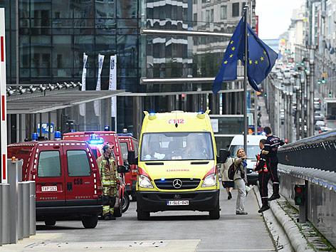 Rettungseinsatz vor dem Brüsseler Europagebäude
