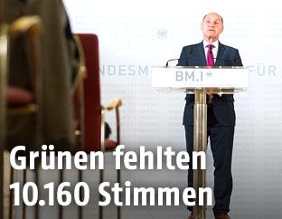Innenminister Wolfgang Sobotka bei der Verkündigung des Endergebnisses