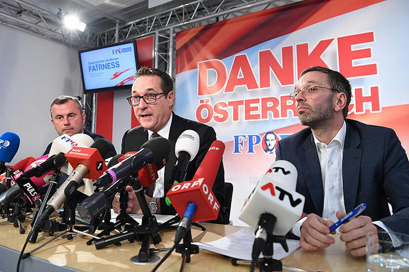 Vizeparteichef Norbert Hofer, FPÖ-Bundesparteiobmann Heinz Christian Strache und Generalsekretär Herbert Kickl