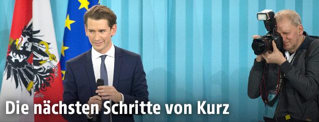 Sebastian Kurz auf der Bühne bei der ÖVP Wahlparty