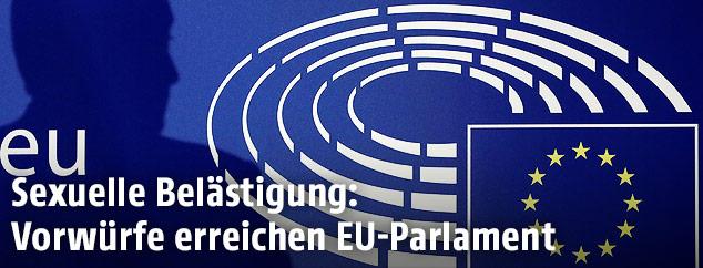 Schatten auf Logo von EU-Parlament
