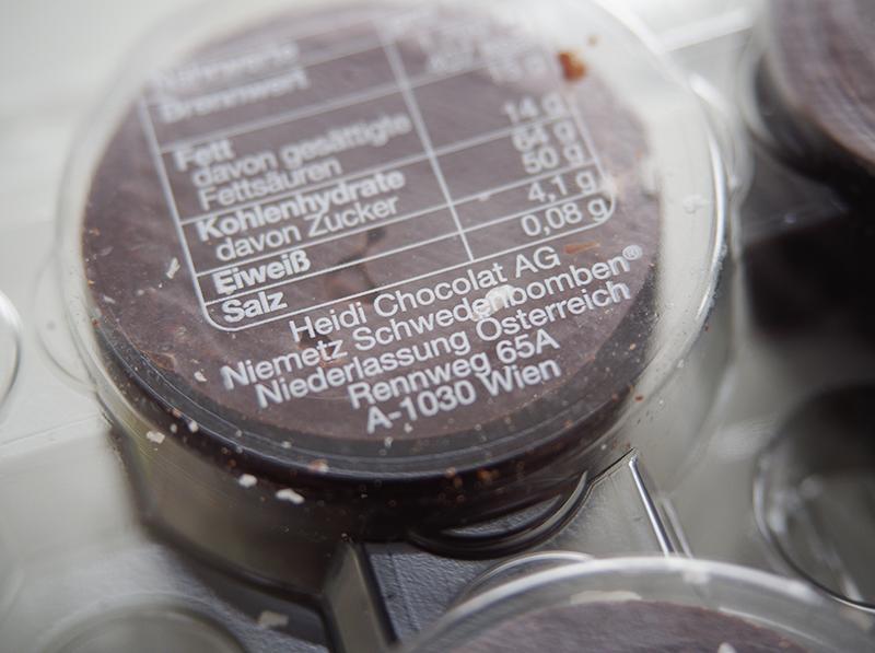 Schwedenbomben-Verpackung mit Besitzangabe Heidi Chocolat AG