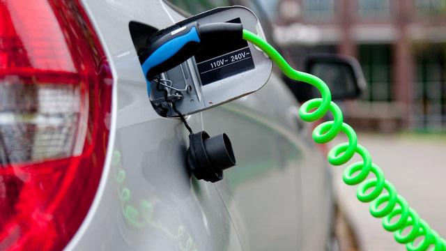Autoindustrie startet E-Mobilitätsvorstoß