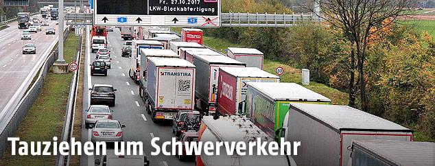 Lkw-Blockabfertigung auf der Inntalautobahn in Tirol