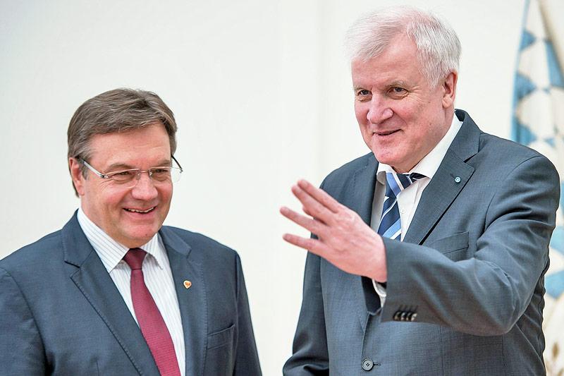 Der Tiroler Landeshauptmann Günther Platter und Bayerns Ministerpräsident Horst Seehofer