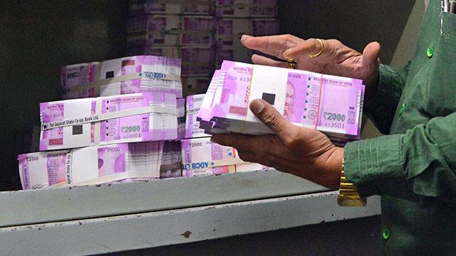 Kaum Effekt: Indien kämpft mit Bargeldexperiment