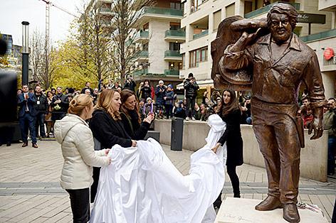 Bronze-Statue von Bud Spencer in Budapest