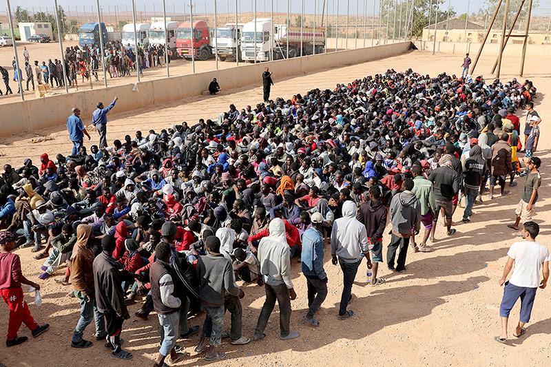 Migranten im Flüchtlingslager in Gharyan