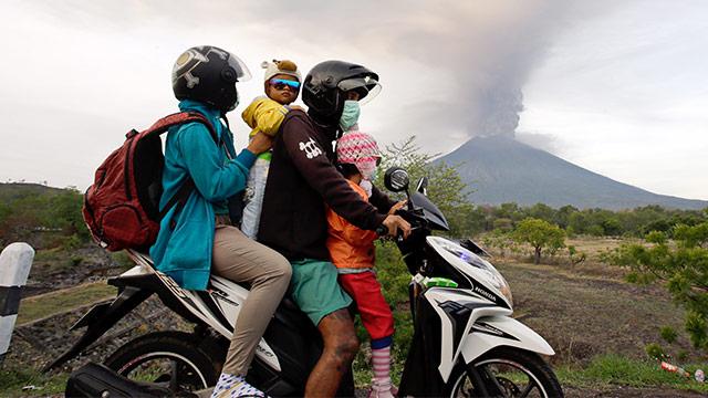 Bali ordnet Massenevakuierung an