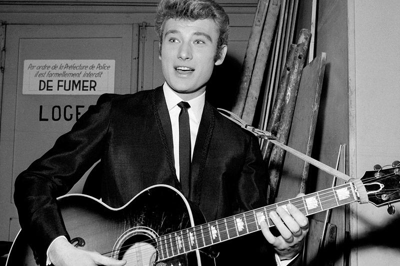 Der französische Rockmusiker Johnny Hallyday im Jahr 1964