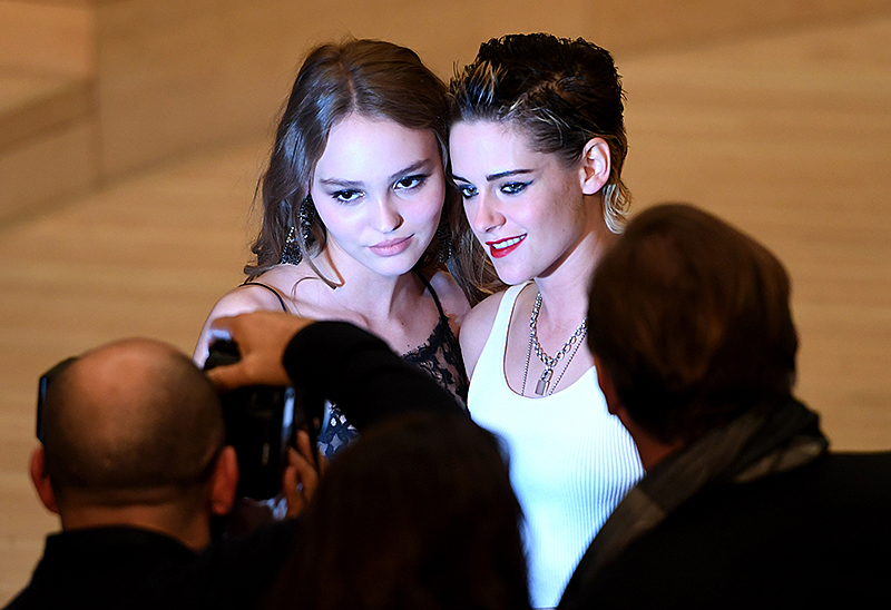 Model und Schauspielerin Lily-Rose Depp und die Schauspielerin Kristen Stewart