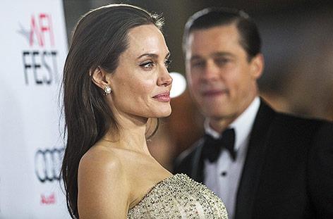 US-Schauspielerin Angelina Jolie, im Hintergrund ihr Ex-Mann Brad Pitt