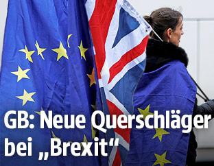 Fahnen der EU und Großbritanniens