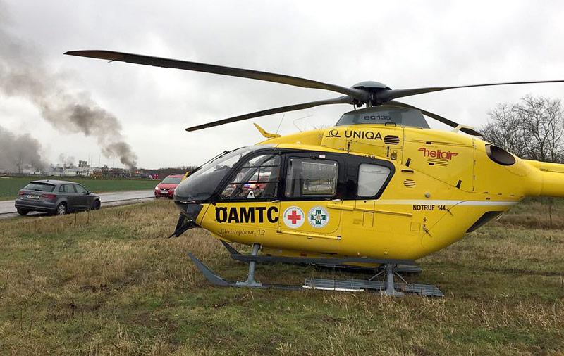 ÖAMTC-Hubschrauber nahe der Einsatzstelle