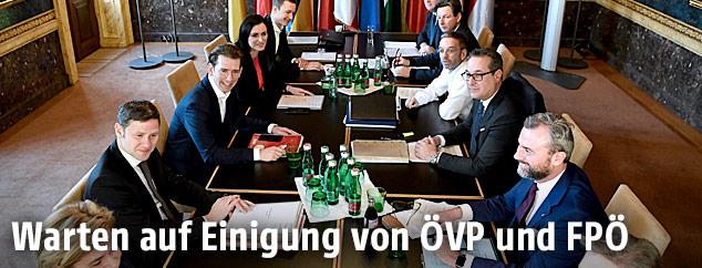 Das ÖVP-Verhandlungsteam sowie das FPÖ-Verhandlungsteam