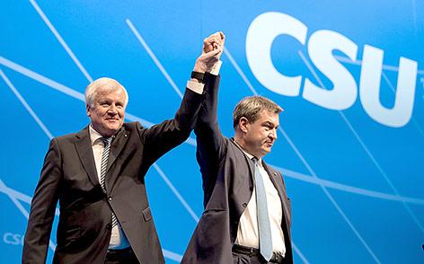 Der CSU-Vorsitzende und bayerische Ministerpräsident Horst Seehofer und der bayerische Finanzminister Markus Söder