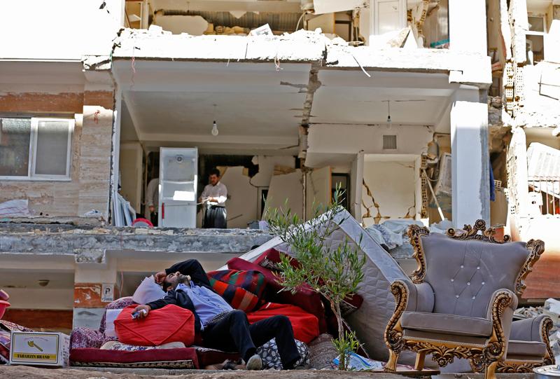 Zerstörte Gebäude nach Erdbeben