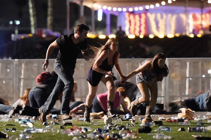 Menschen flüchten für Attentat in Las Vegas