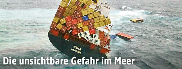 Container fallen vom Frachtschiff Rena