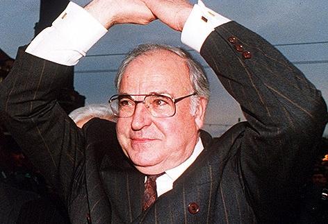 Helmut Kohl bei Feierlichkeiten zum Fall der Berliner Mauer 1989