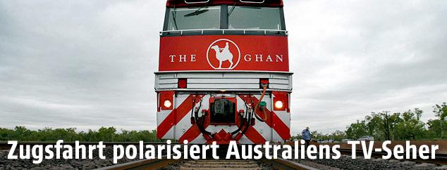"""Australischer Zug """"The Ghan"""" von vorne"""