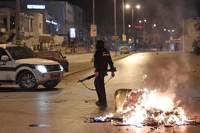 Krisentreffen beim Präsidenten zu Protesten in Tunesien