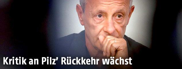 Nachdenklicher Peter Pilz