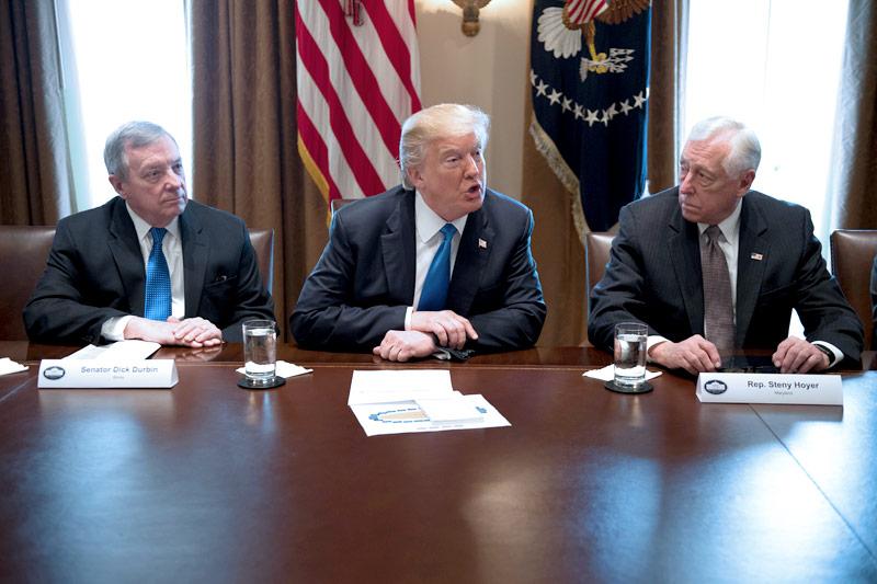 Donald Trump Dick Durbin und Steny Hoyer