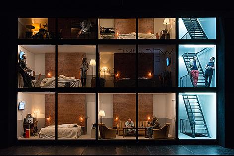 Szene aus dem Stück Hotel Strindberg