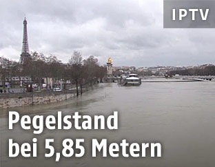 Hochwasserführende Seine in Paris