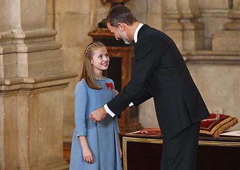 König Felipe überreicht Tochter Leonor Ritterorden