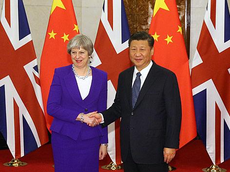 "Theresa May beschwört ""goldene Ära"" mit China"