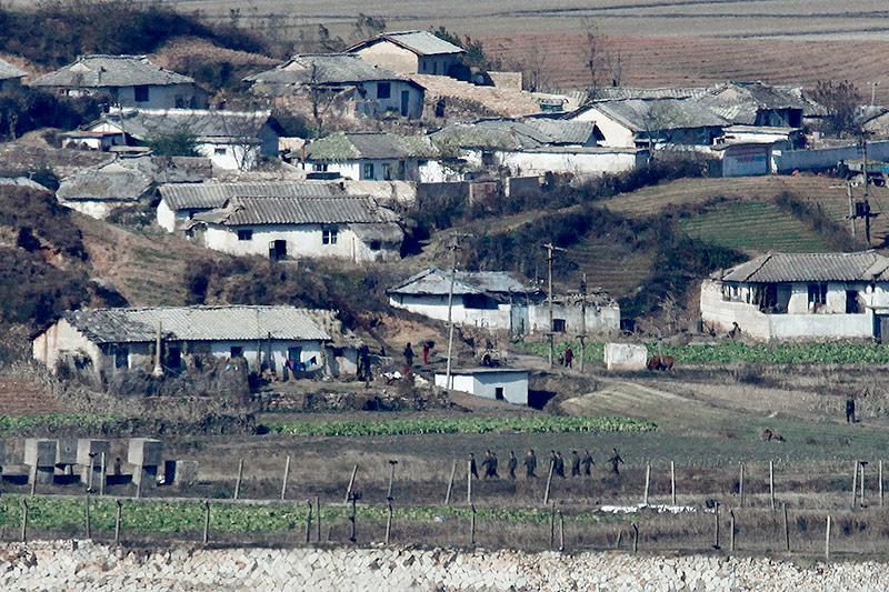 Nordkoreaner an der Demarkationslinie