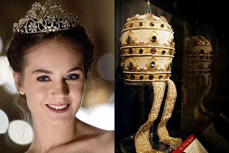 links: Opernballdebütantin mit Tiara, rechts:Tiara von Papst Pius VII