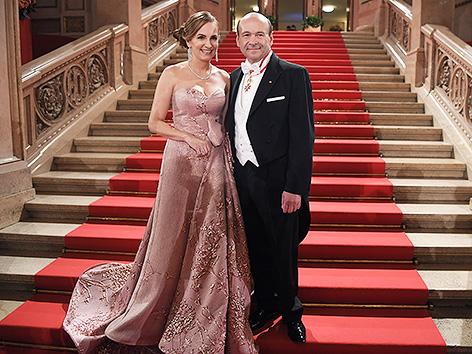 Maria Großbauer und Staatsoperndirektor Dominique Meyer