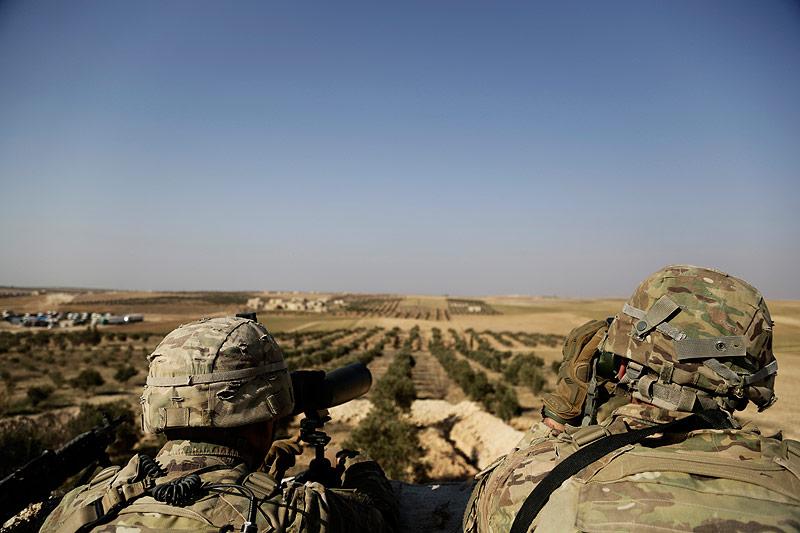US-Soldaten beobachten die türkische Grenze